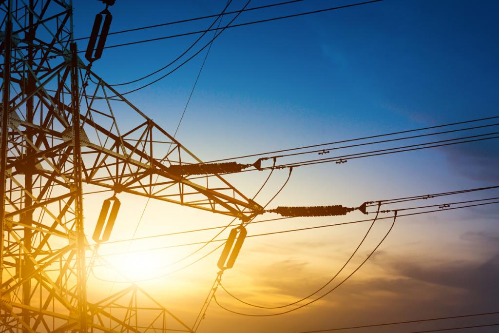 postes de alta tensão de energia